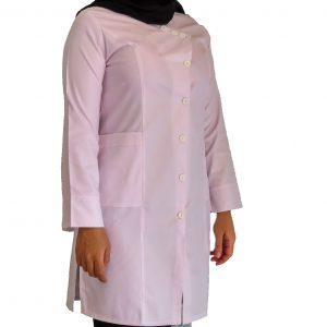 IMG 8471 copy 300x300 - روپوش پزشکی زنانه یقه سه دکمه