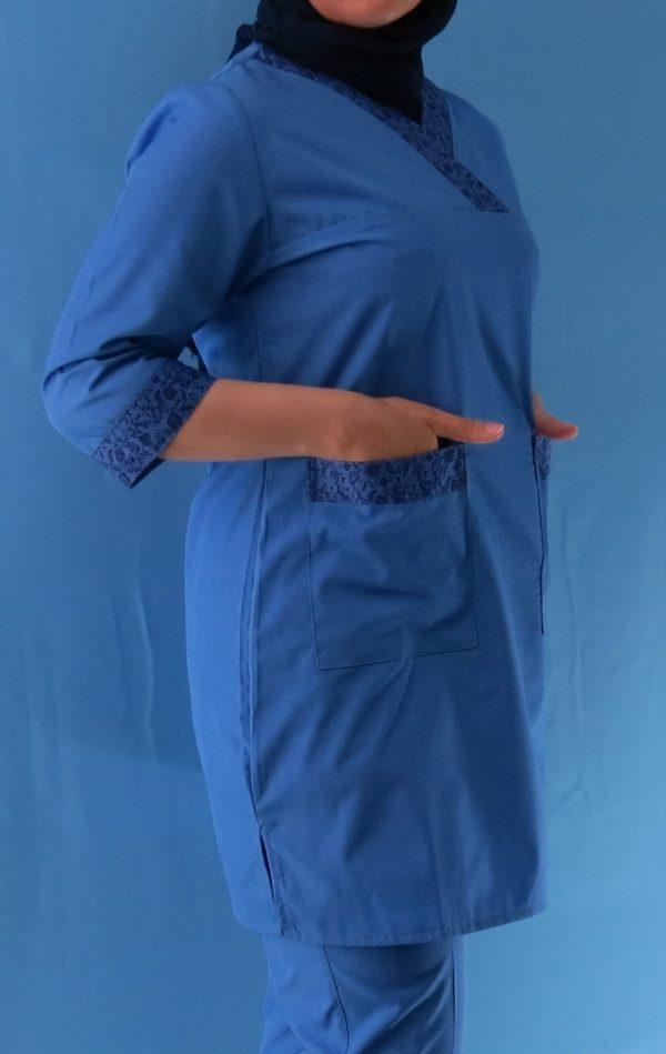 طرح دار آبی3 600x949 - اسکراب آبی گلدار زنانه