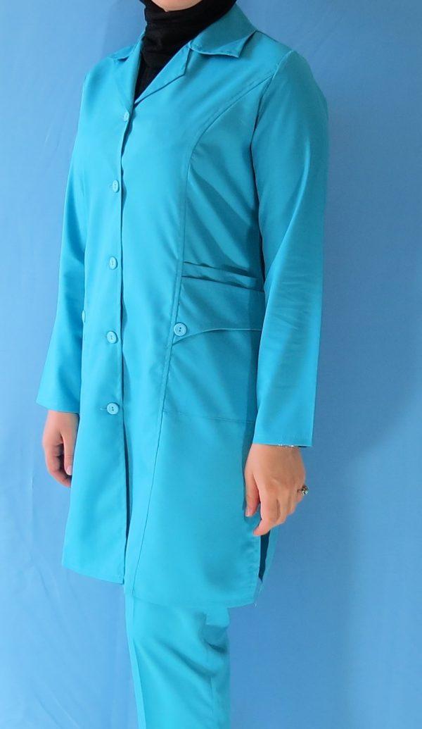 مانتو شلوار فیروزه ای1 600x1035 - مانتو شلوار آبی فیروزه ای مدل سه جیب
