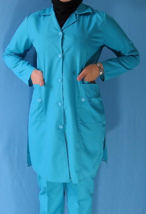 مانتو شلوار فیروزه ای5 600x879 - مانتو شلوار آبی فیروزه ای مدل سه جیب
