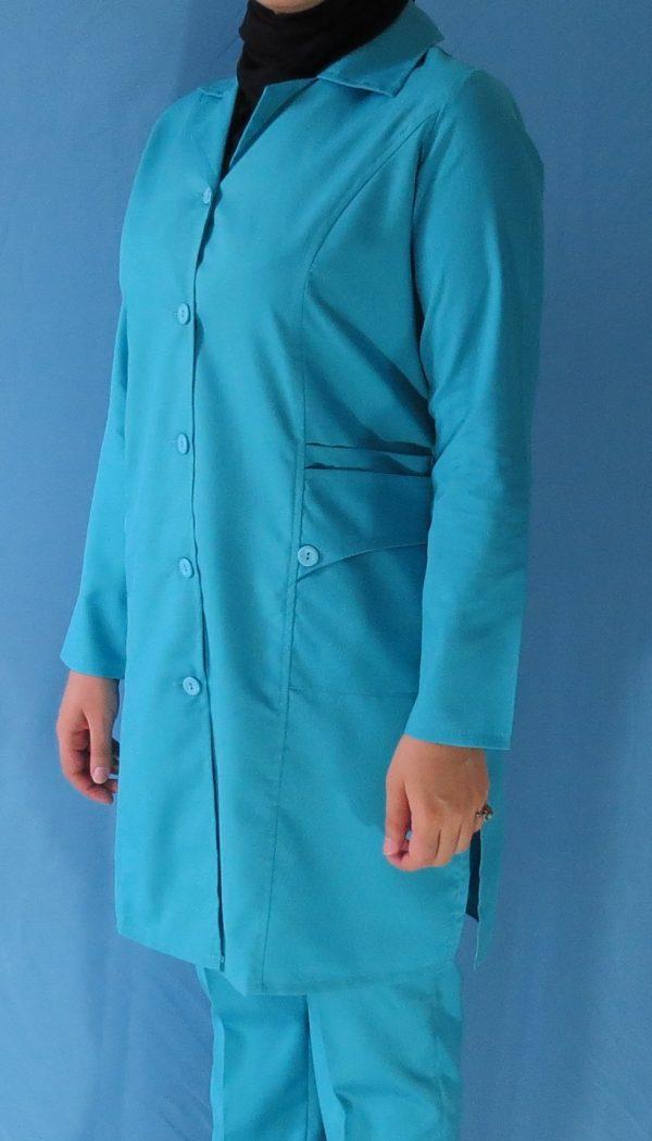 مانتو شلوار فیروزه ای8 600x1050 - مانتو شلوار آبی فیروزه ای مدل سه جیب